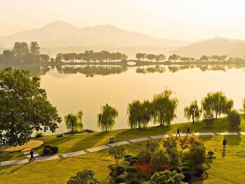 Парк на озере Xuanwuhu. Китай, Нанкин