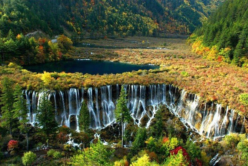 Водопад НуорилаВодопад Нуорилан - Китай, долина Цзючжайгоу