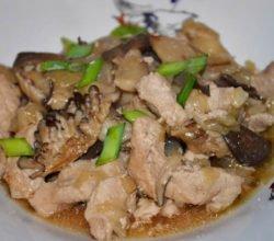 Как приготовить свинину с грибами вешенками по-китайски