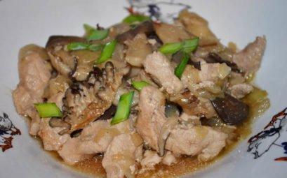 Свинина по китайски с вешенками - пошаговый рецепт