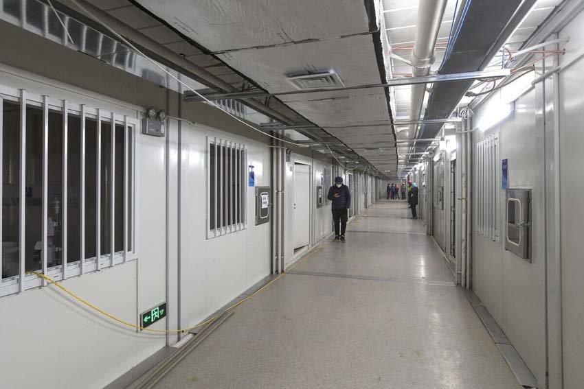 Палаты в новых больница в Ухань, борьба с коронавирусом.