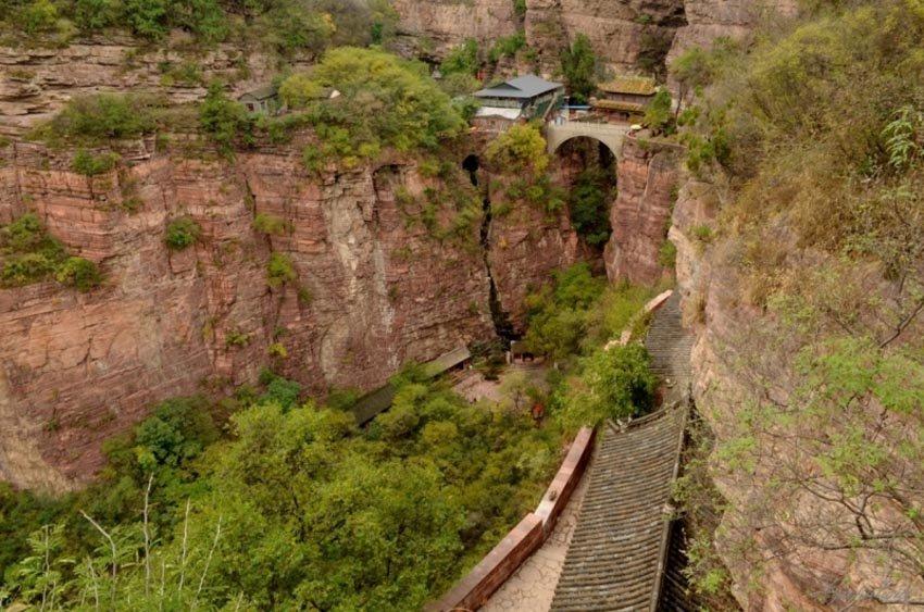 Шицзячжуан висячий дворец в Китае
