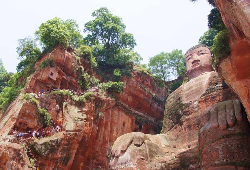 Гигантский Будда в Китае