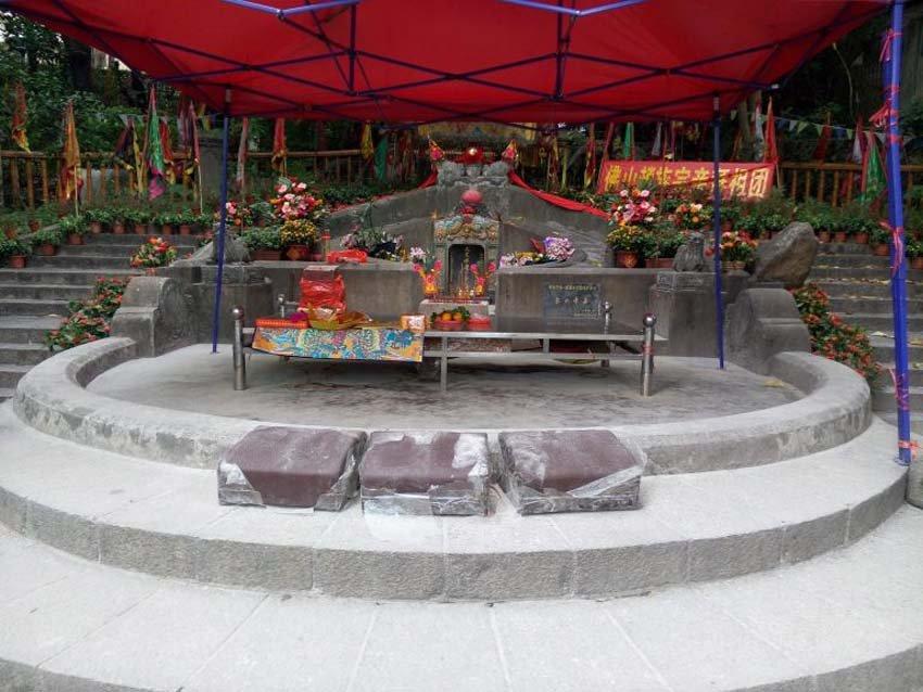 Императорская гробница в Шэнчжень, Китай