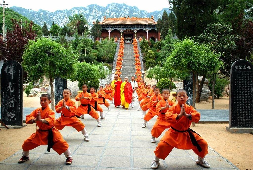Монахи Шаолиня в Китае
