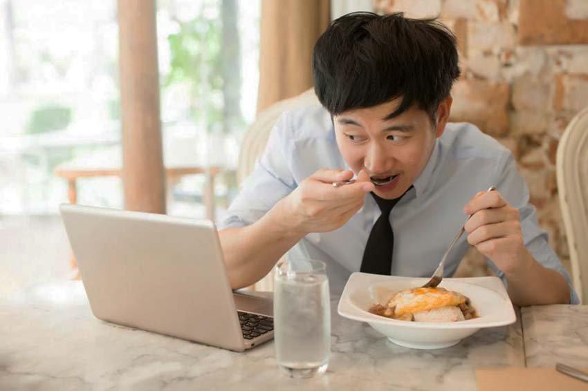 Почему китайцы пьют горячую воду?
