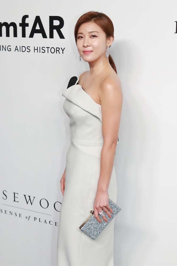 Актриса Ха Чжи Вон - 41 год.
