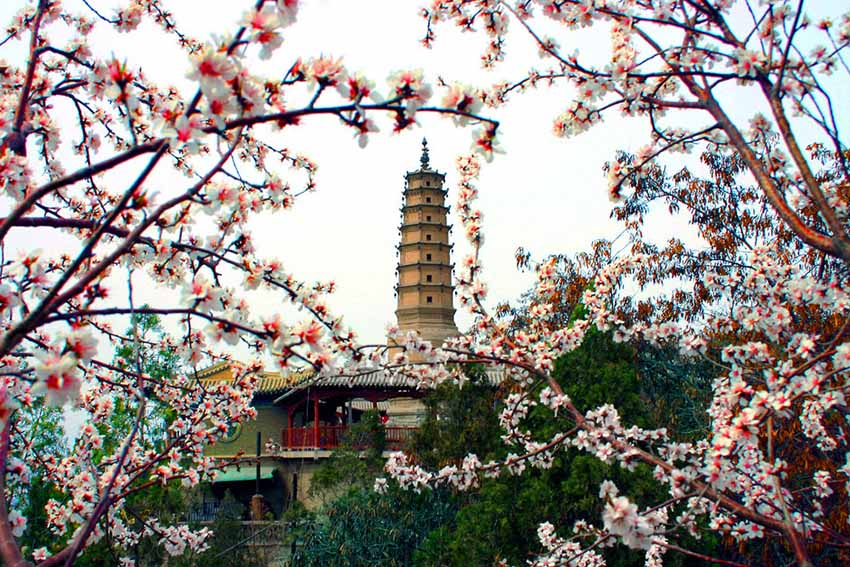 Достопримечательности Ланьчжоу - парк Белой Пагоды