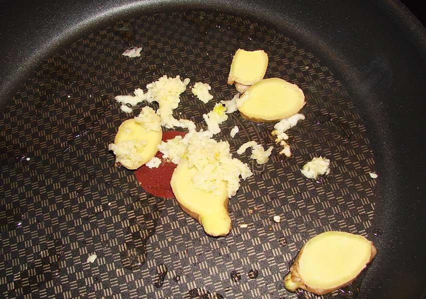 Салат из креветок в чесночном соусе по-китайски - рецепт